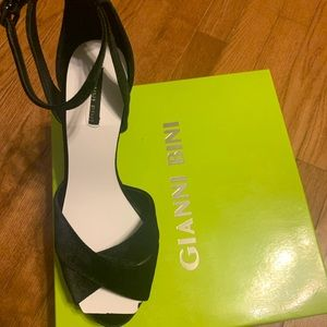 Brand. New Ladies Size 12 Heels